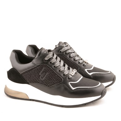 Karlie Sneaker Black D77