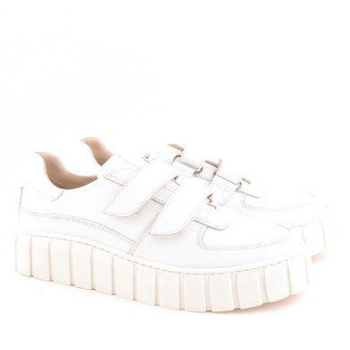 2057 White Leather A10