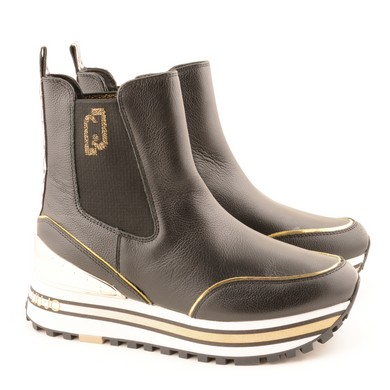 Mid Sneaker Black D87